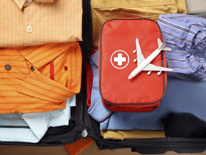 Аптечка в отпуск: обязательный список лекарств для путешественника